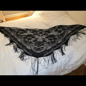 Accessories - Black lace fringed shawl